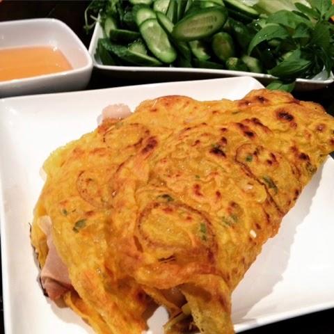 Banh Xeo (Sizzling Cake)